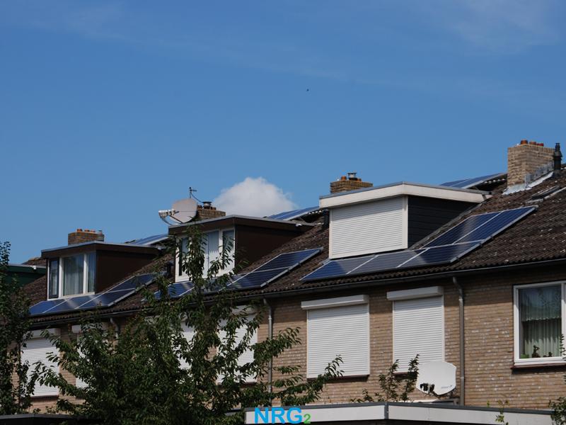 2012-Beuningen_Install_3-huizen-schuin